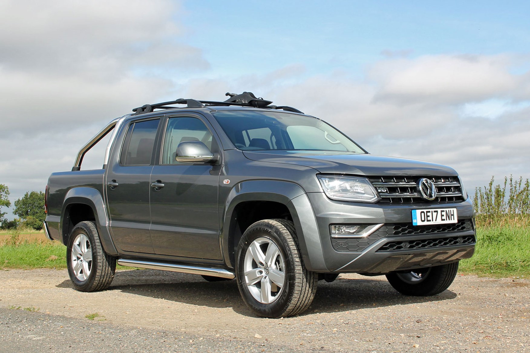 VW Amarok V6 Highline 224hp review - front view, grey