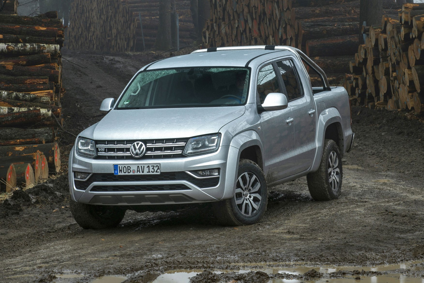 VW Amarok V6 Trendline 204hp review - front-view, off-road, silver