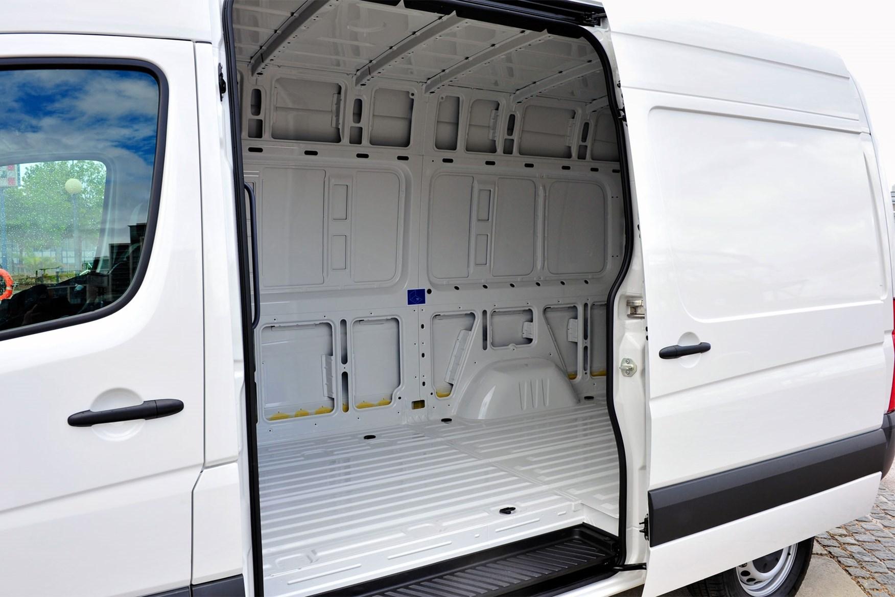 Volkswagen Crafter Van Dimensions 2011 2016 Capacity