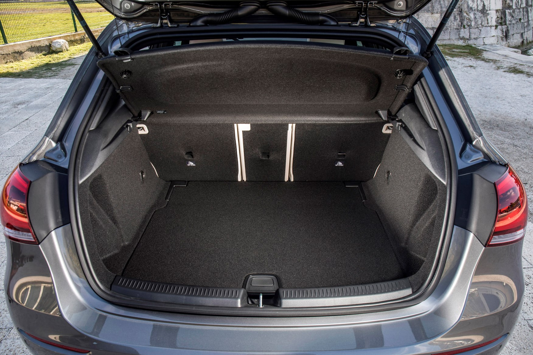 mercedes a class review features safety and practicality. Black Bedroom Furniture Sets. Home Design Ideas
