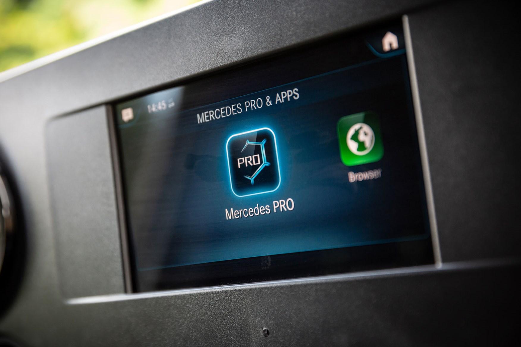 Mercedes Sprinter (2018-on) Mercedes-Benz Pro Connect screen