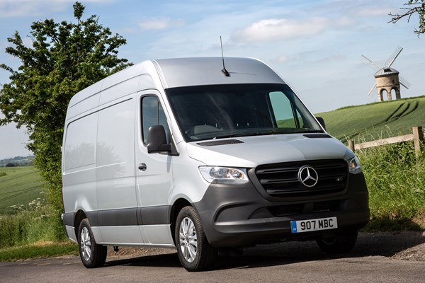Mercedes Sprinter (2018-on) Parkers Vans review