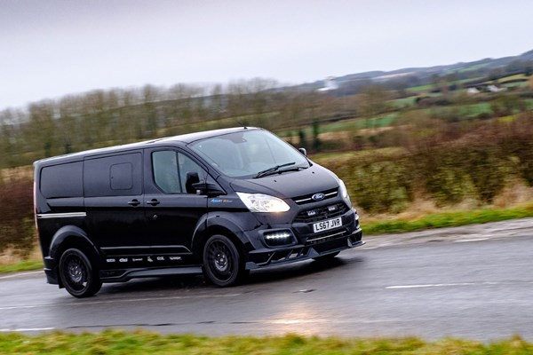 ford transit custom ms rt r spec automatic review a week at the wheel parkers. Black Bedroom Furniture Sets. Home Design Ideas