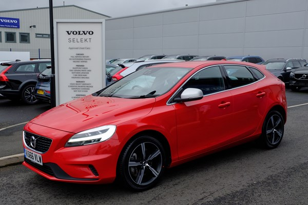 Best nearly new family cars for £250 per month