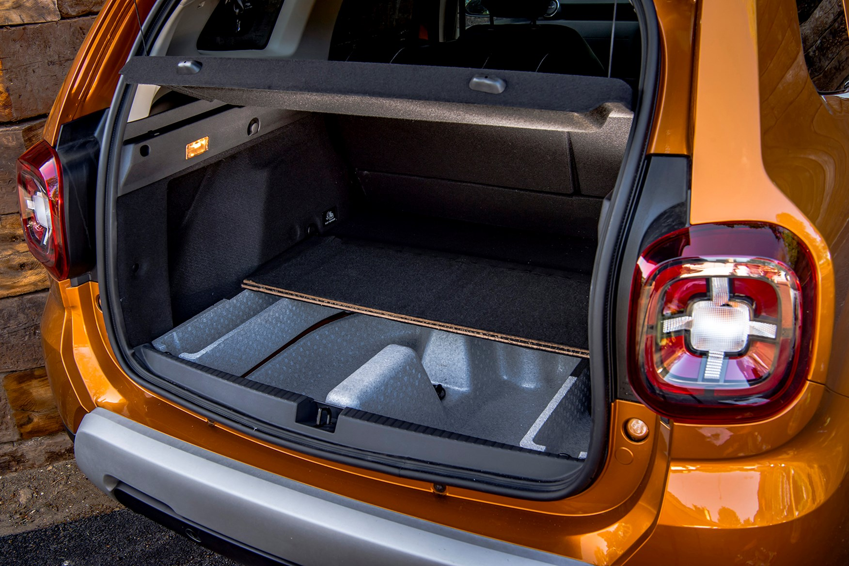 dacia duster suv review features safety and practicality parkers. Black Bedroom Furniture Sets. Home Design Ideas