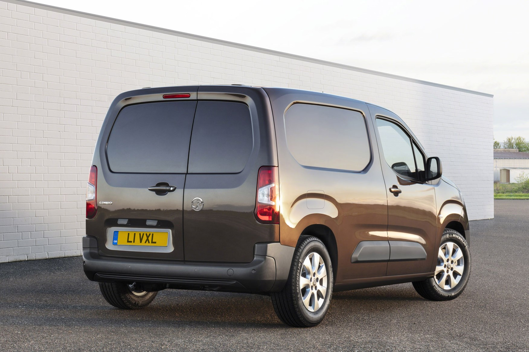 vauxhall combo 2018 prices engines and trim levels revealed parkers. Black Bedroom Furniture Sets. Home Design Ideas