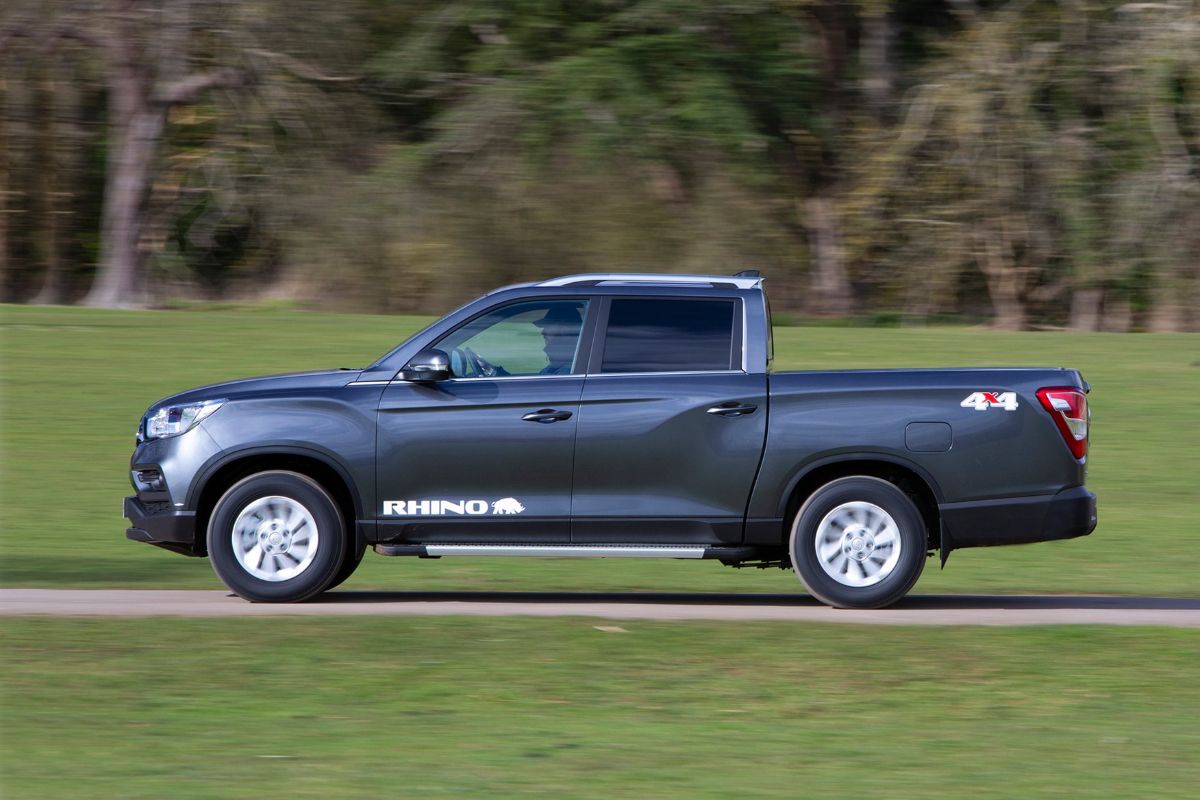 SsangYong Musso review, Rhino LWB, 2020, side view, driving, grey