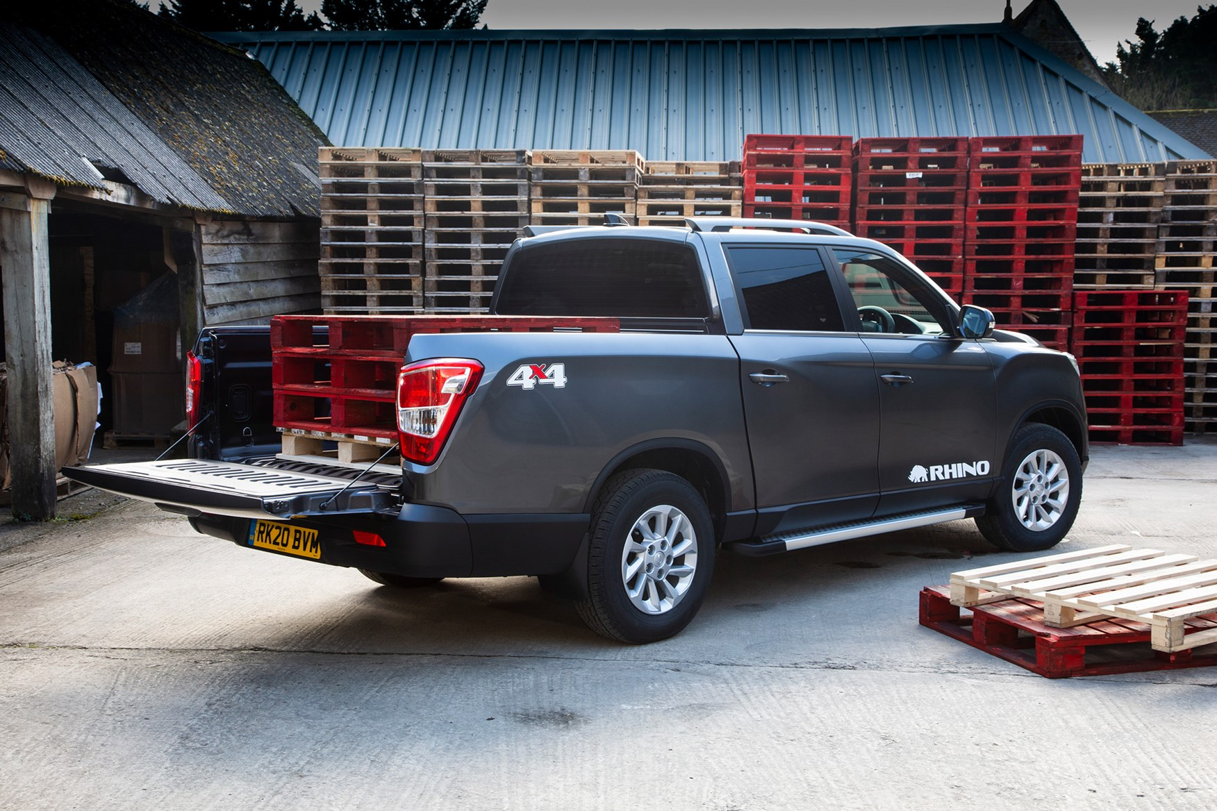 SsangYong Musso review, 2020, Rhino LWB, rear view with pallets