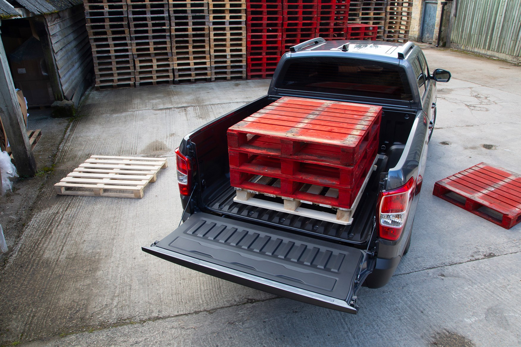 SsangYong Musso review, 2020, Rhino LWB, load area with pallets