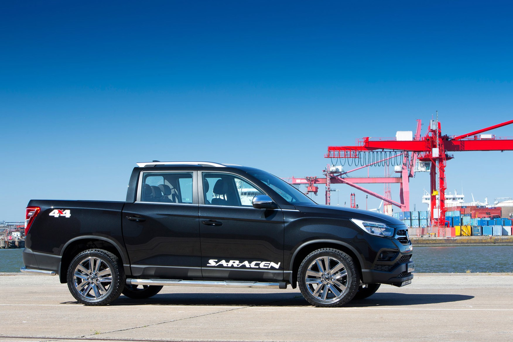 SsangYong Musso (2018-on) review, Saracen, side view, black