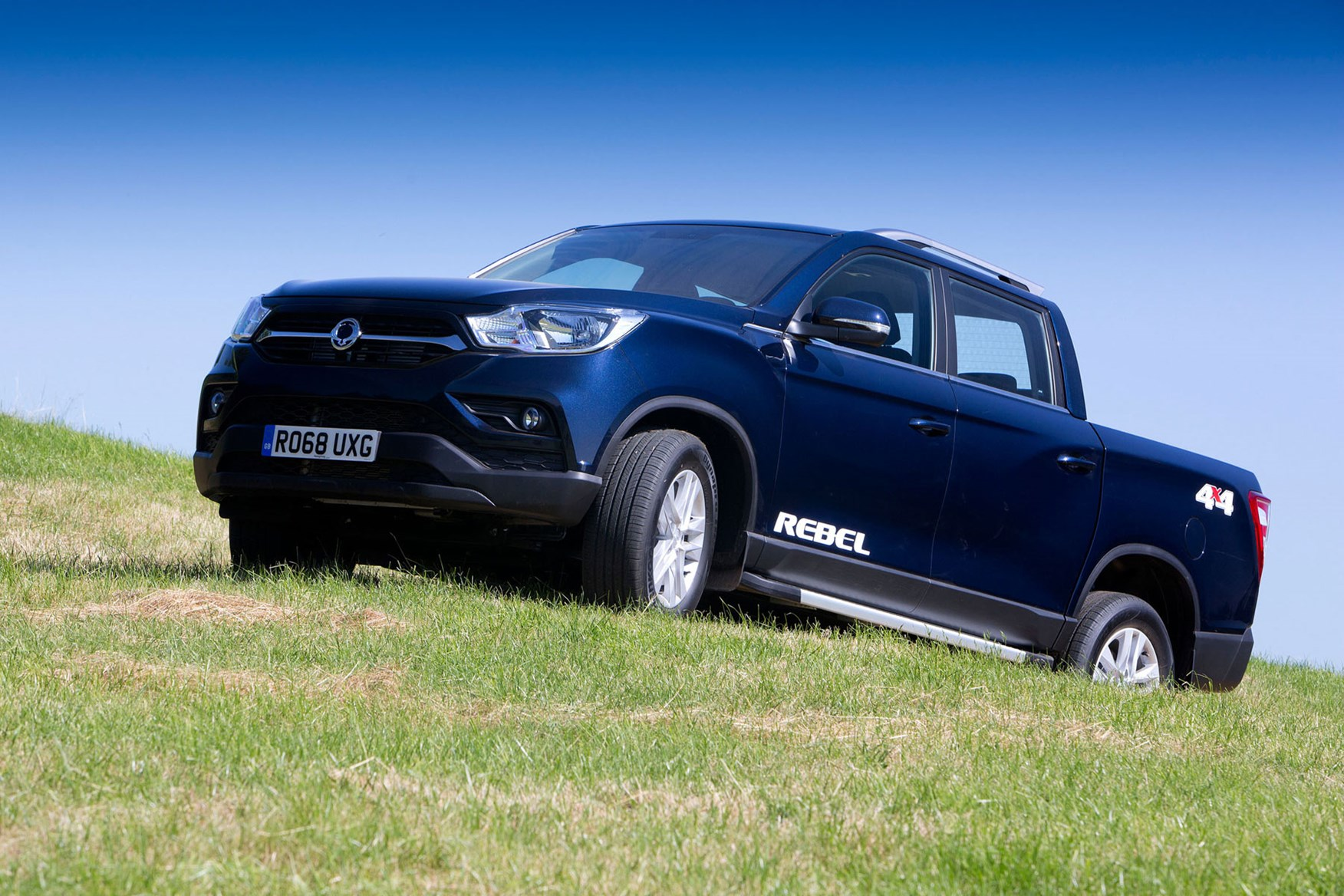 SsangYong Musso (2018-on) review, Rebel, front view, off-road, blue