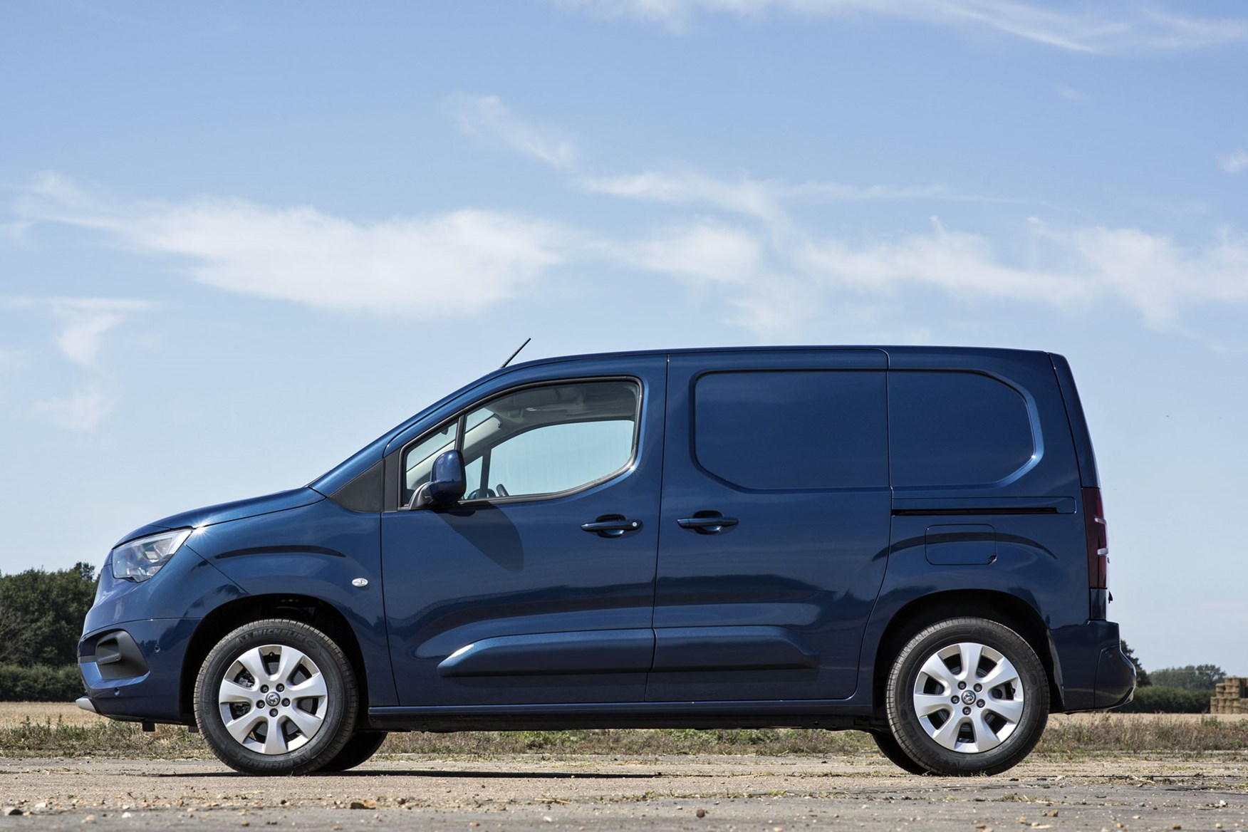 Vauxhall Combo Cargo review - 2019 model, side view, blue, L1