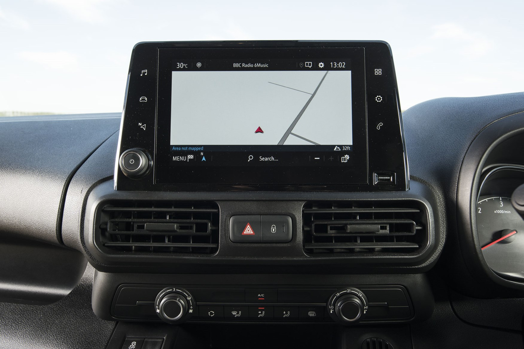 Vauxhall Combo Cargo review - 2019 model, cab interior, infotainment screen