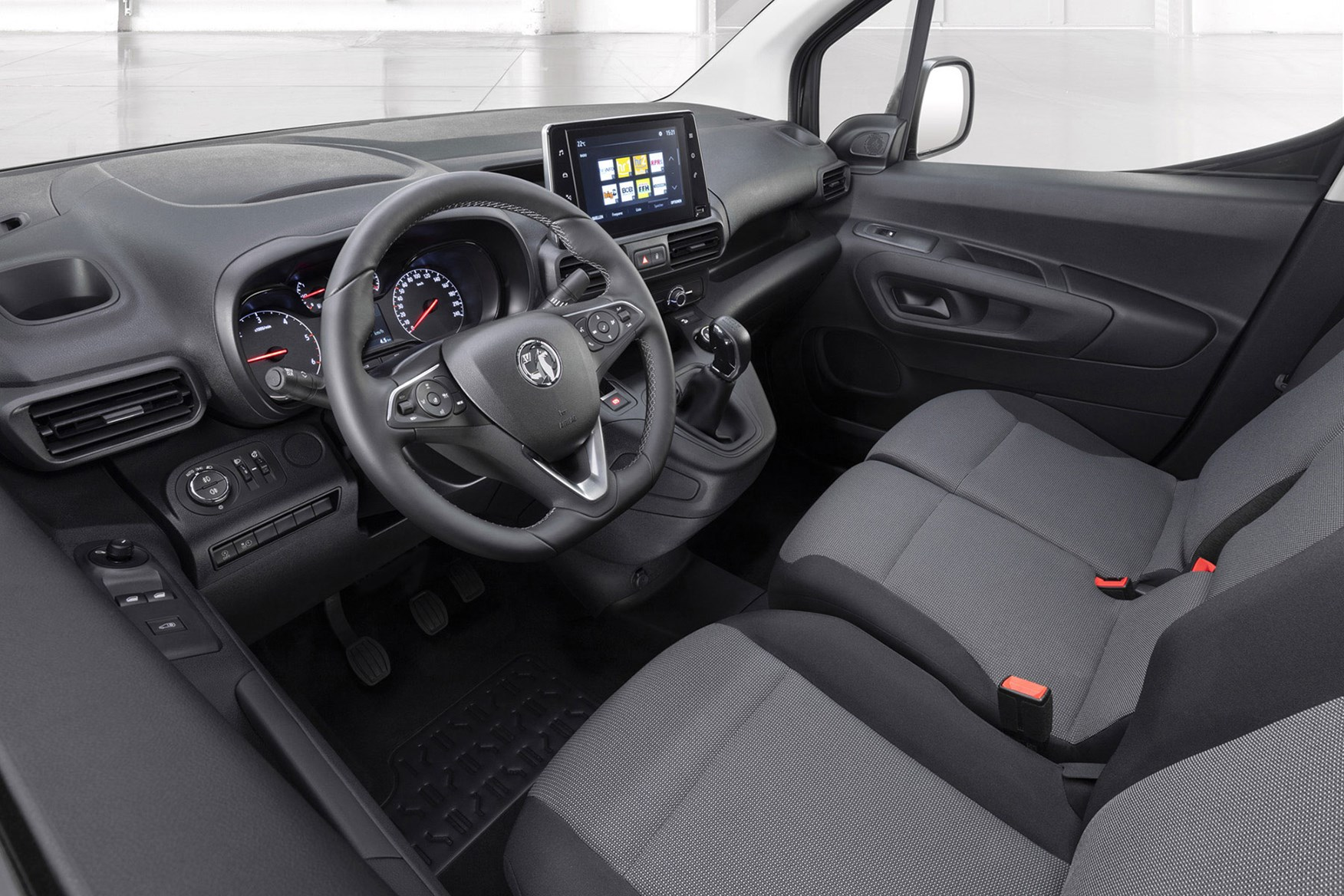 Vauxhall Combo 2019 review - cab interior