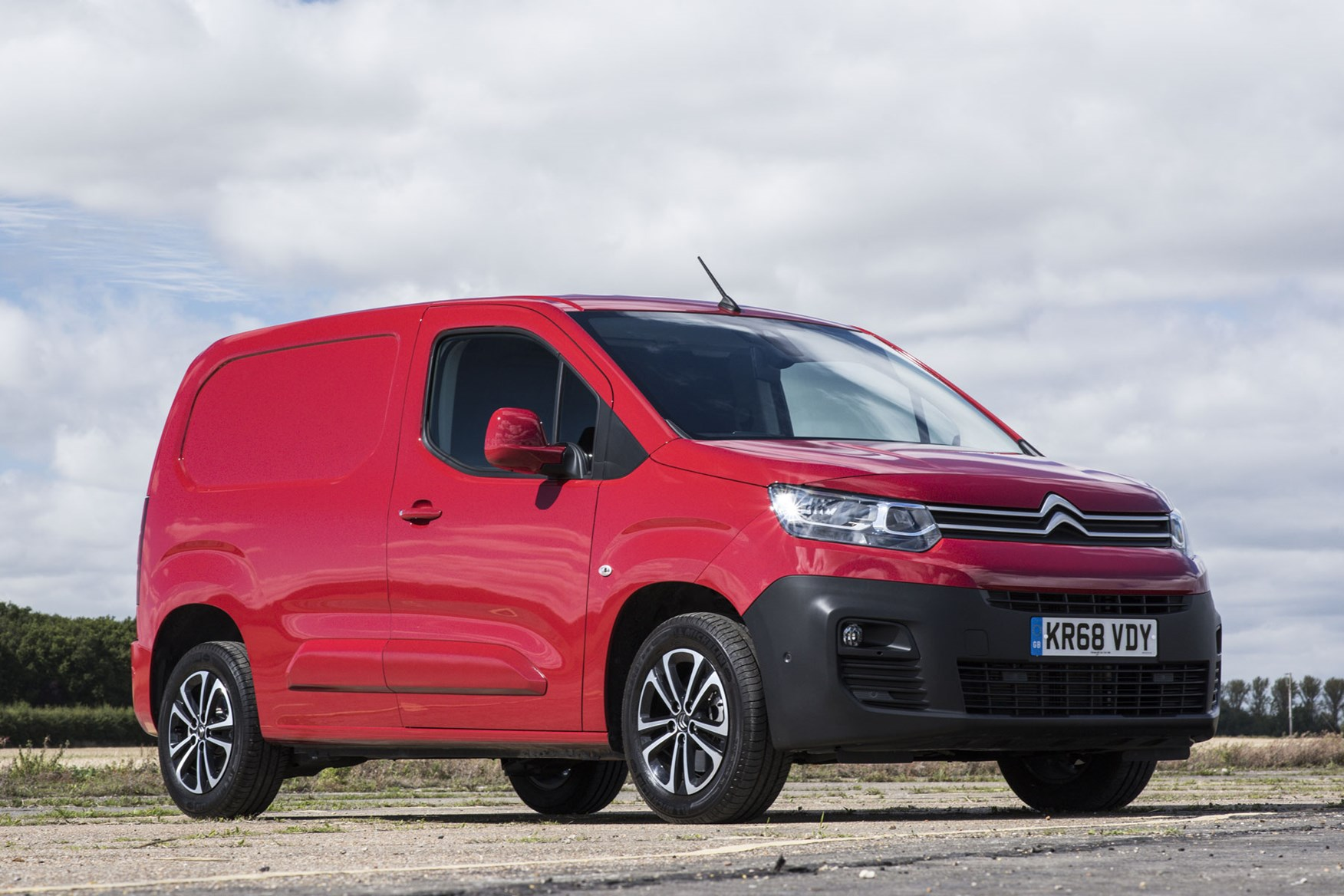 Citroen Berlingo van review - 2019 model, front view, red