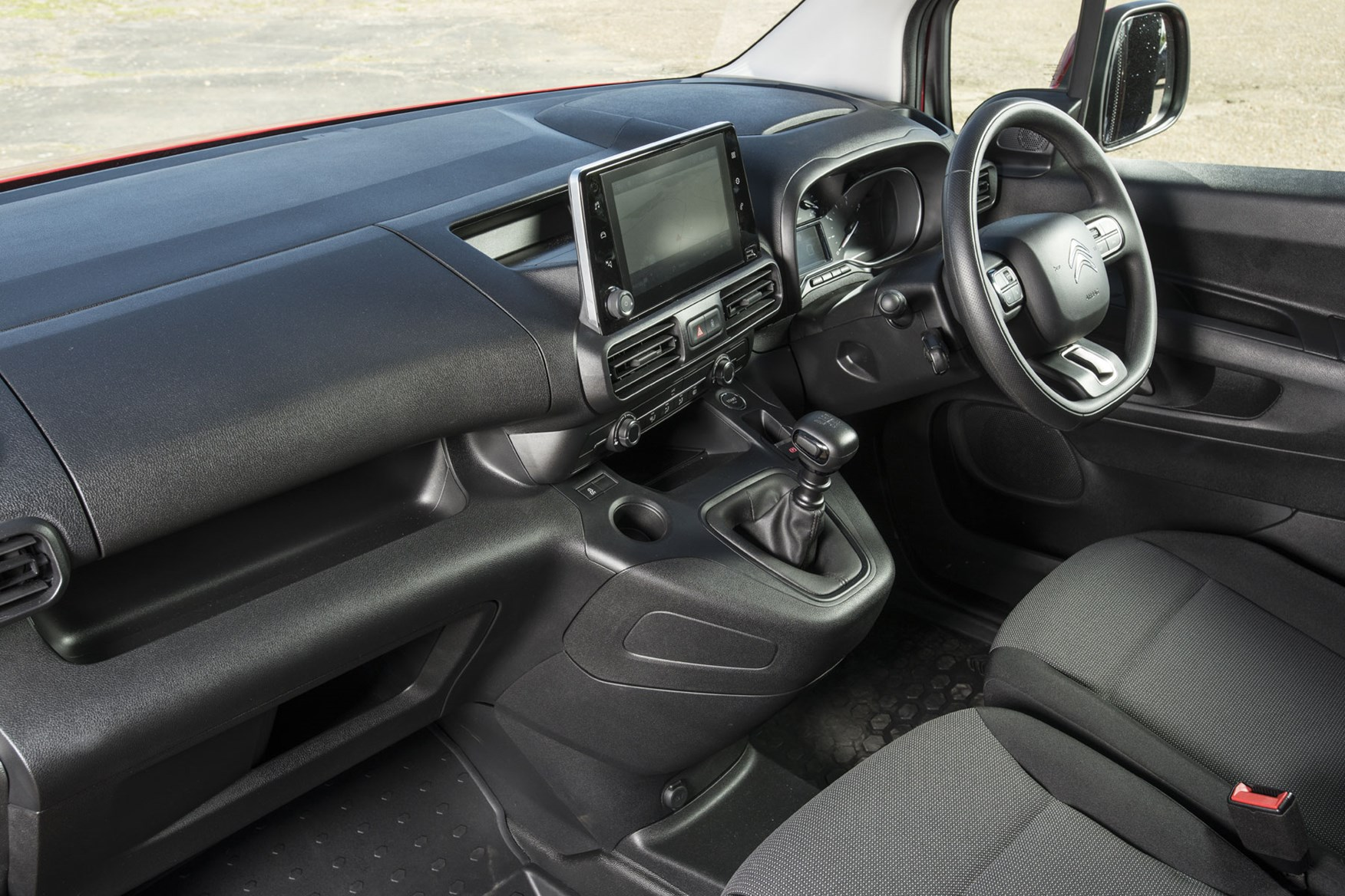 Citroen Berlingo van review - 2019 model, cab interior