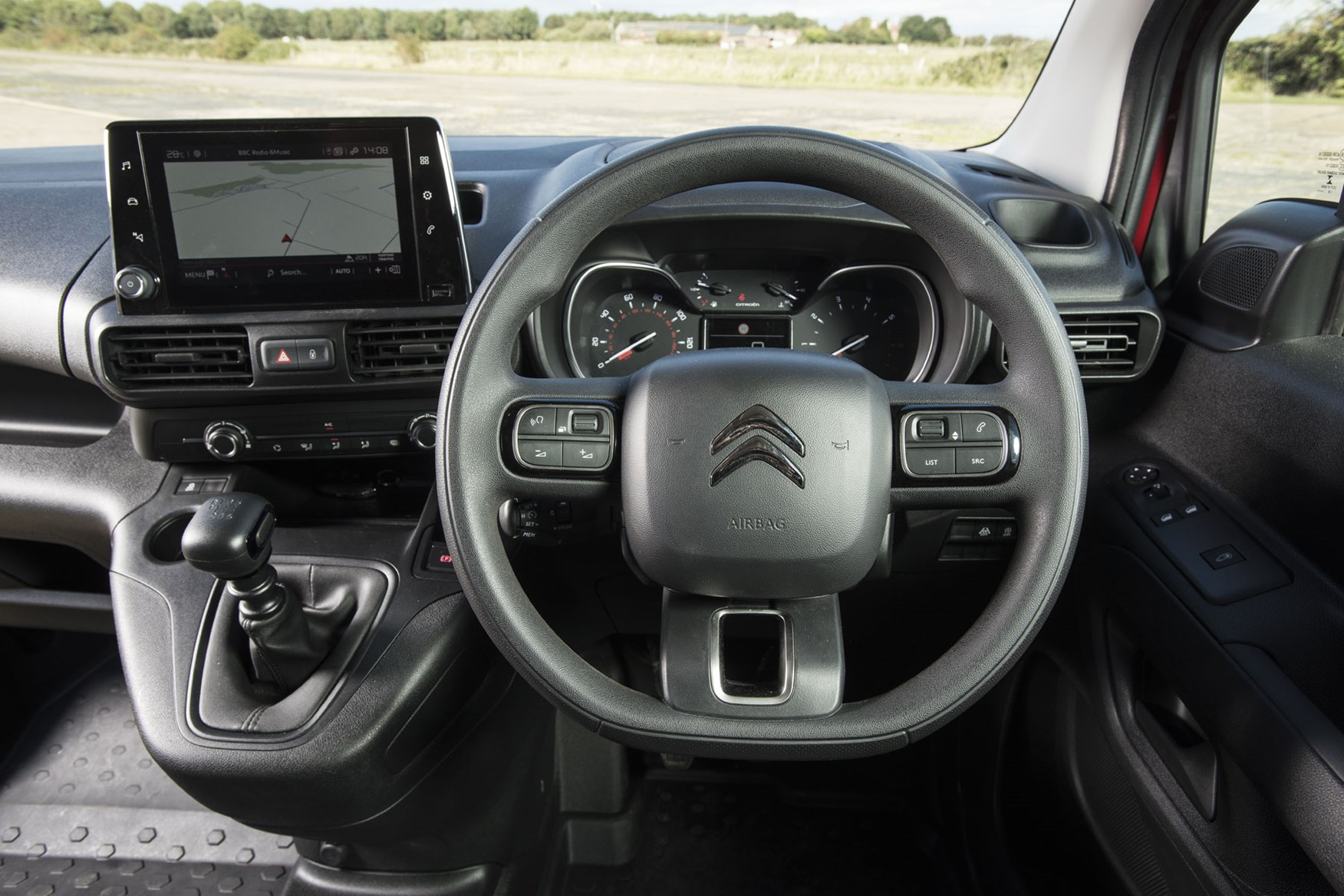 Citroen Berlingo van review - 2019 model, steering wheel and infotainment screen