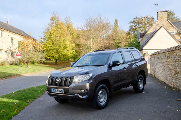 Toyota Land Cruiser Commercial 4x4 review | Parkers