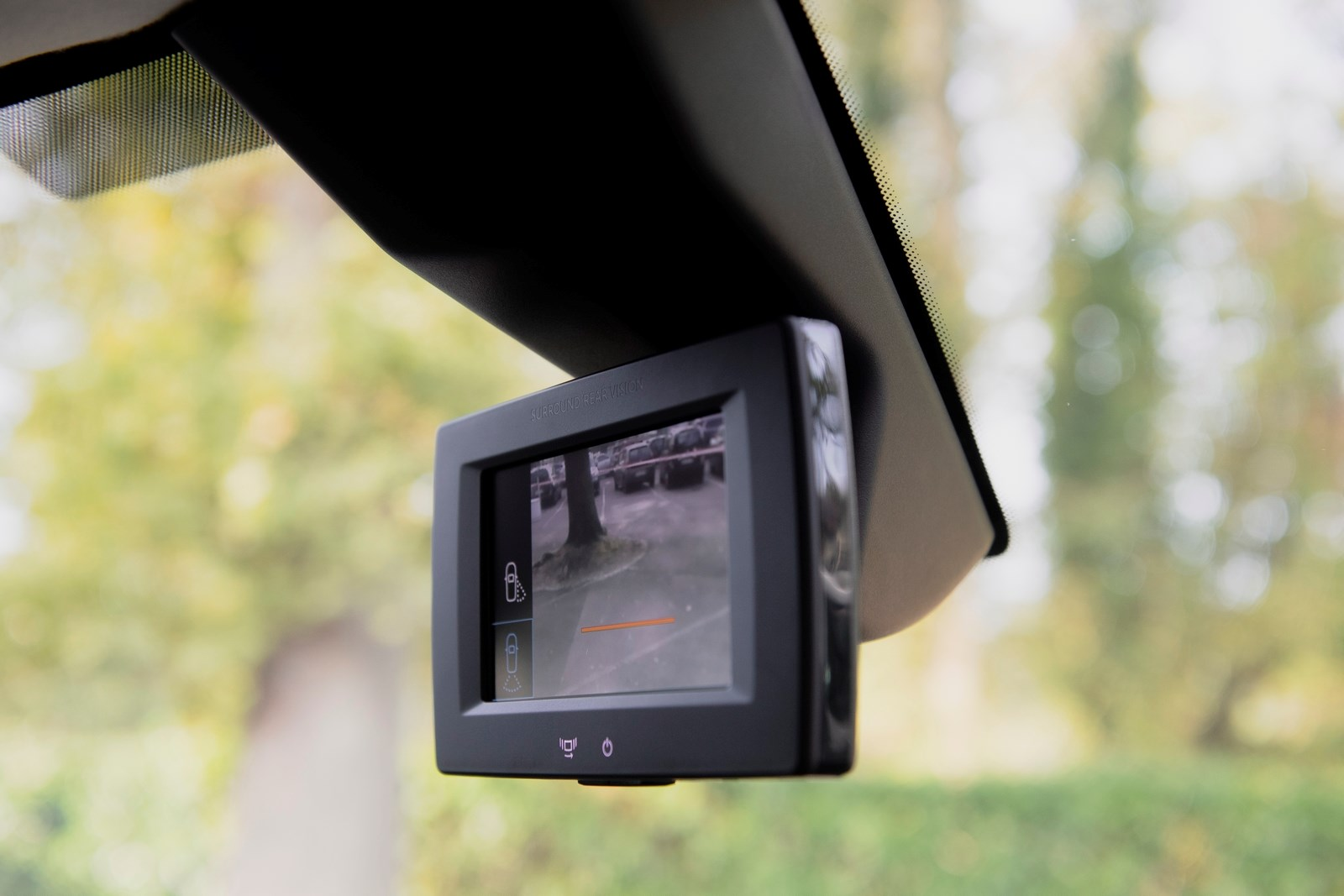 Peugeot Partner van review - 2019 model, Rear Surround Vision camera system screen