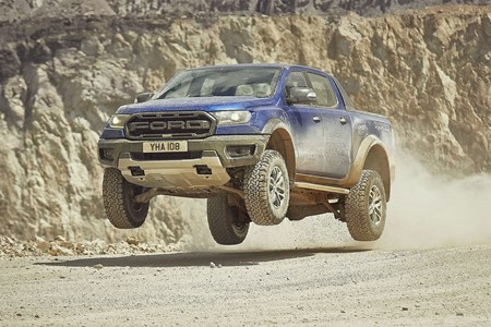 48ba4ffd96d7 2019 Ford Ranger Raptor high-performance pickup jumping off-road
