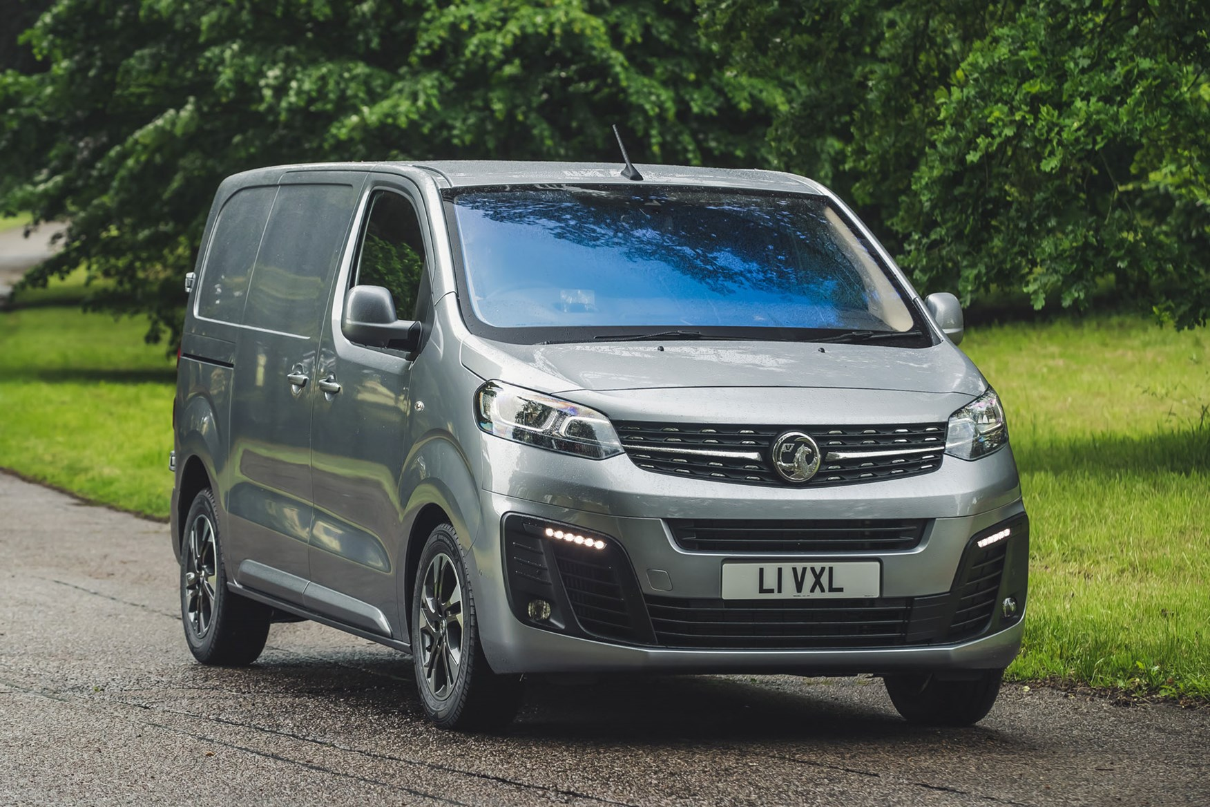 Vauxhall Vivaro review - front view, driving, silver