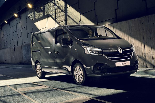 New Renault Trafic 2019 Facelift And Engine Upgrade Info