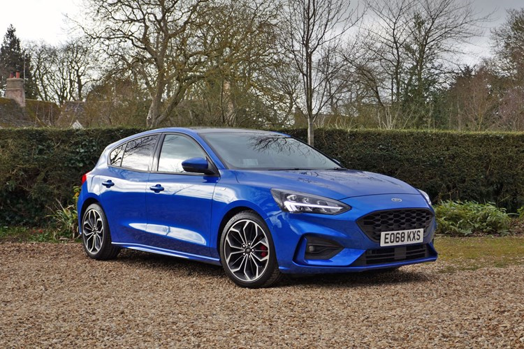 2018 blue Ford Focus front