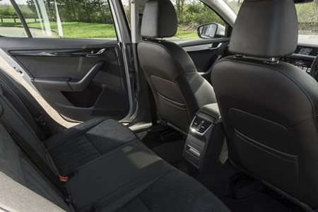 Skoda Octavia 2020 Practicality Boot Space Dimensions Parkers