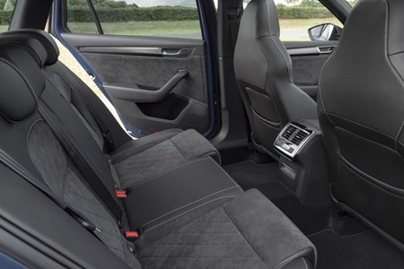 Skoda Superb Estate 2020 Practicality Boot Space Parkers