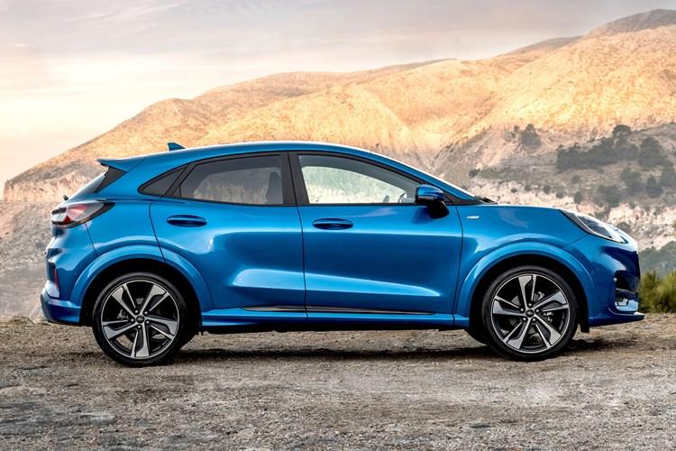 2020 Ford Puma side profile