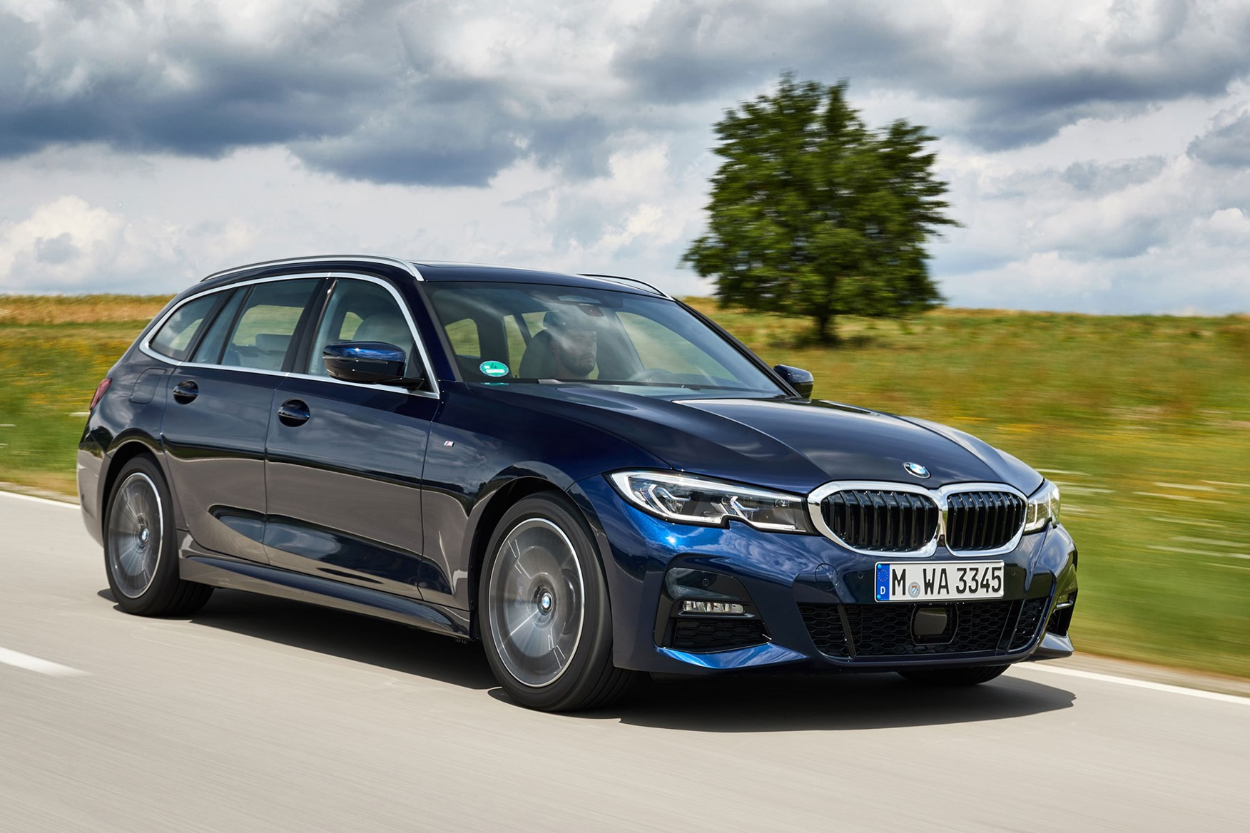 BMW 3-Series Touring Review (2019)   Parkers