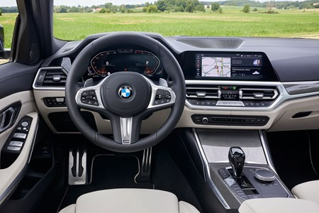 Bmw 3 Series Touring 2019 Interior Dashboard Infotainment Parkers