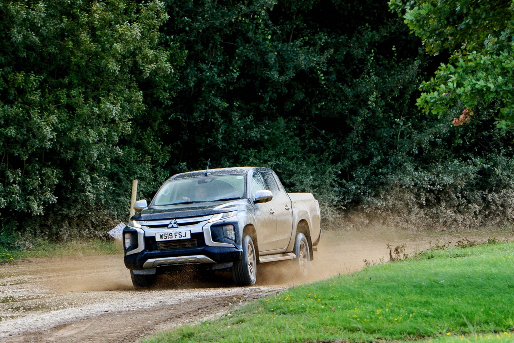 2019 Mitsubishi L200, Jet Black, driving off road