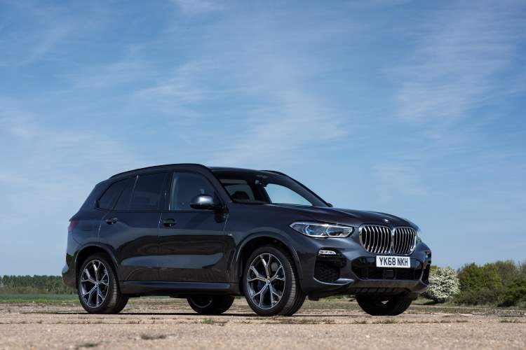 BMW X5 (2020) front view