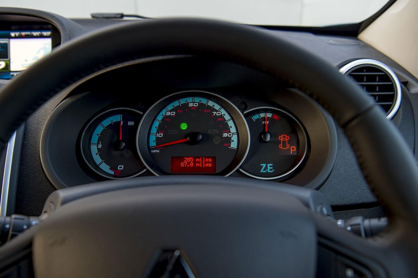 Renault Kangoo ZE review 2020 - instrument cluster