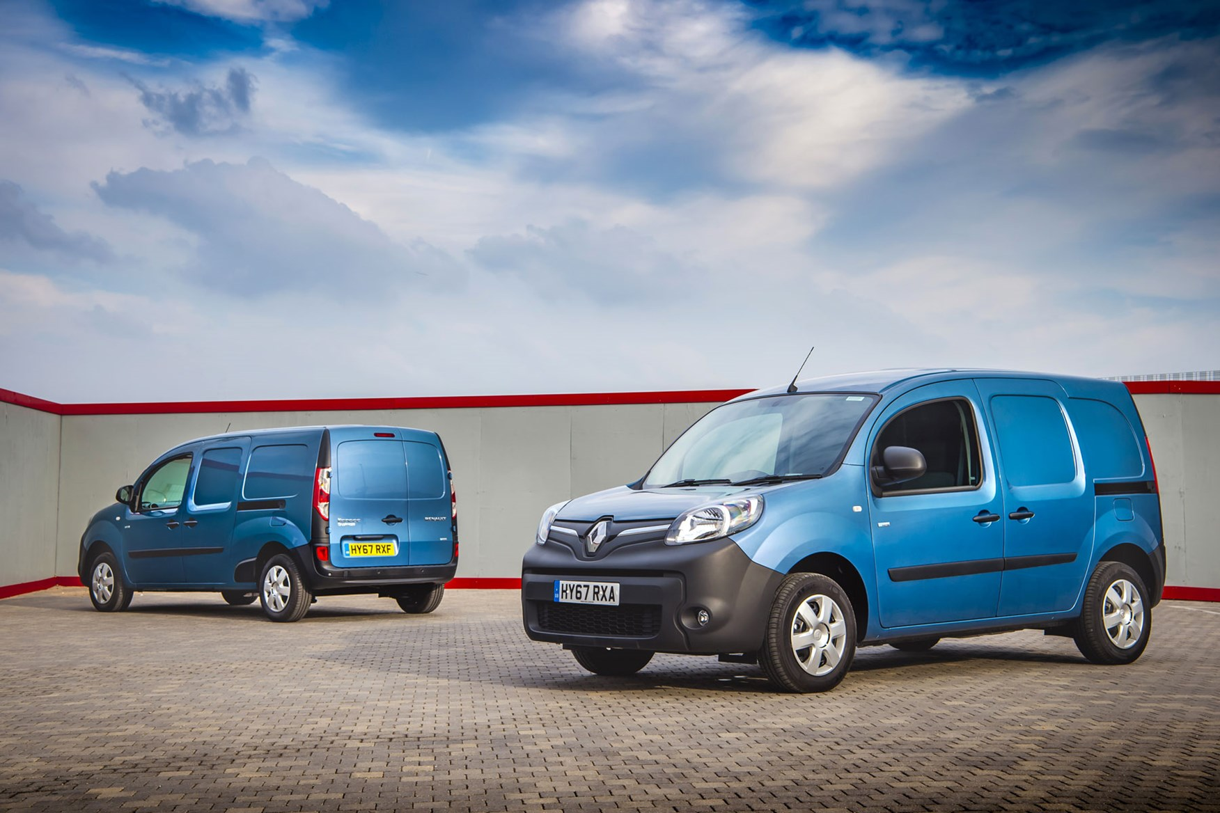 Renault Kangoo ZE review 2020 - standard and Maxi versions