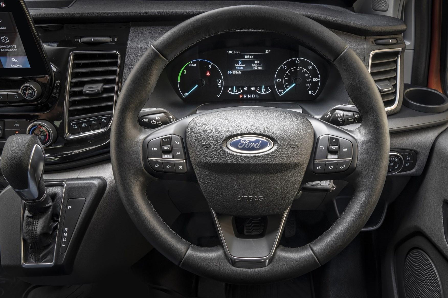 2020 Ford Transit Custom Plug-In Hybrid - cab