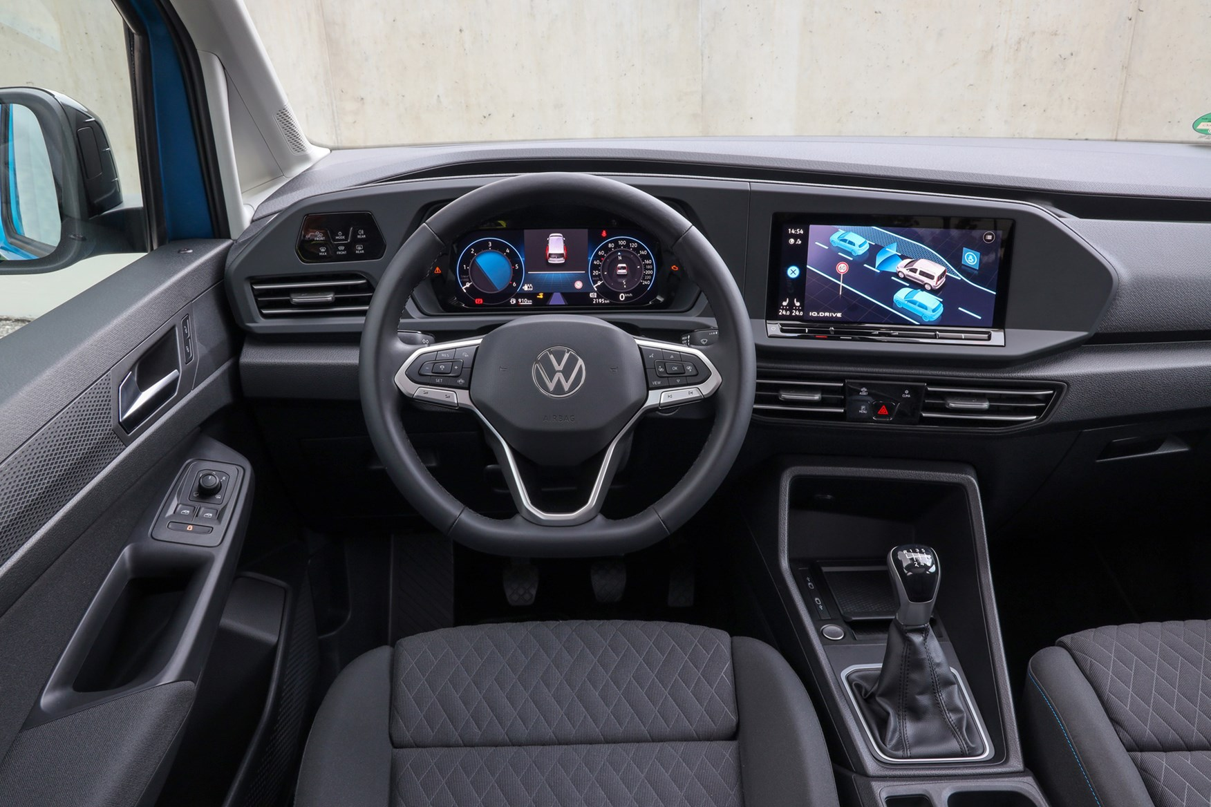 Volkswagen Caddy Cargo review, cab interior, driver's view