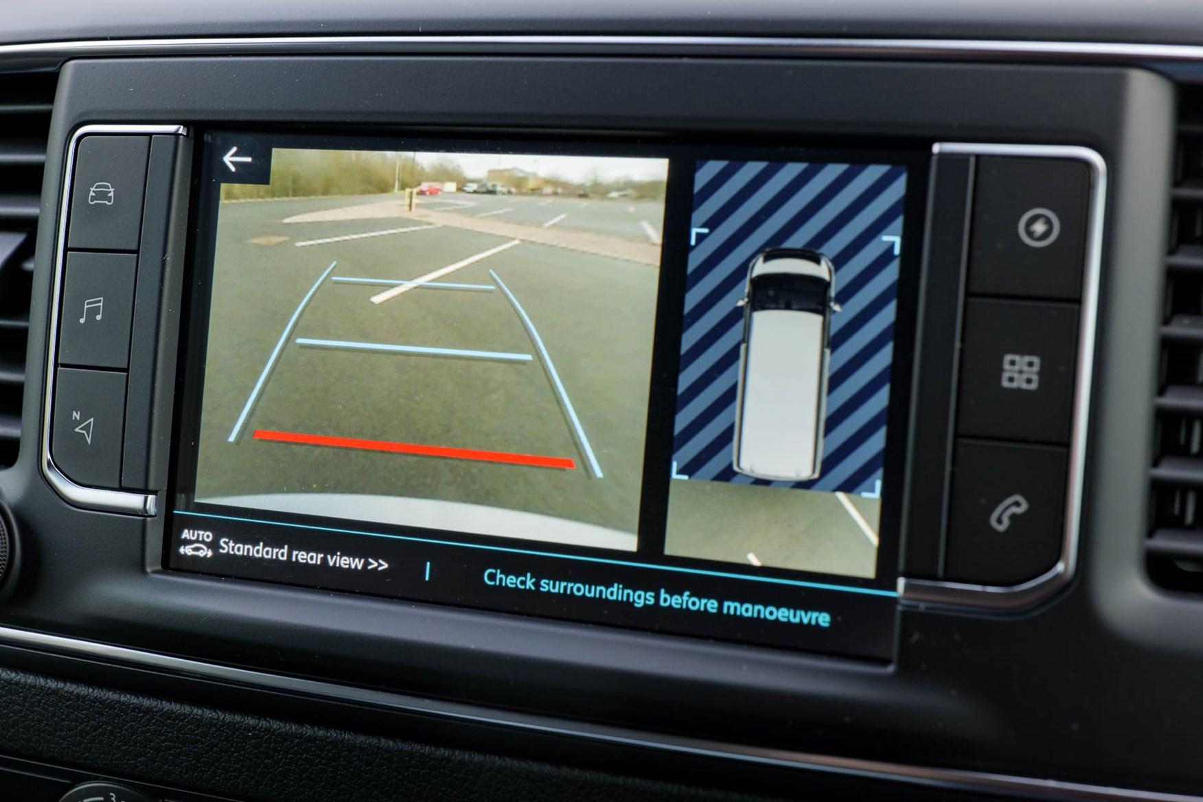 2021 Peugeot e-Expert infotainment