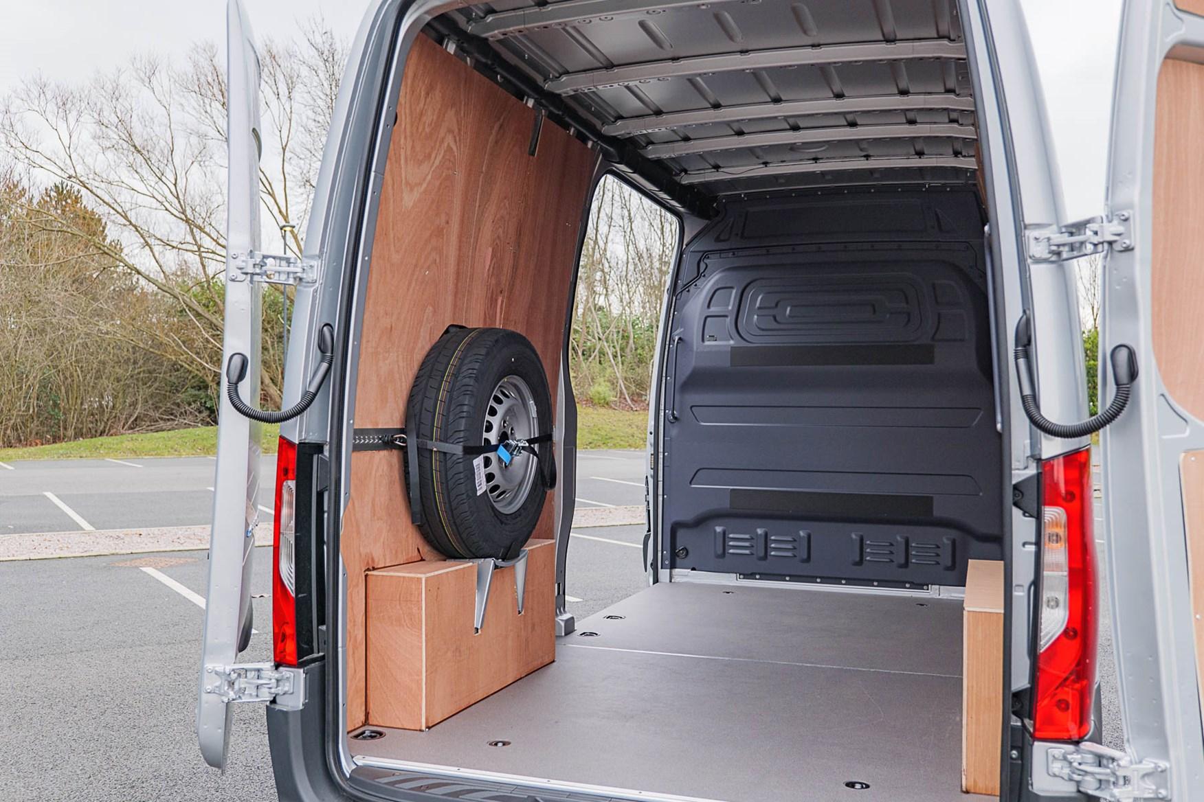 2020 Mercedes-Benz eSprinter - load area