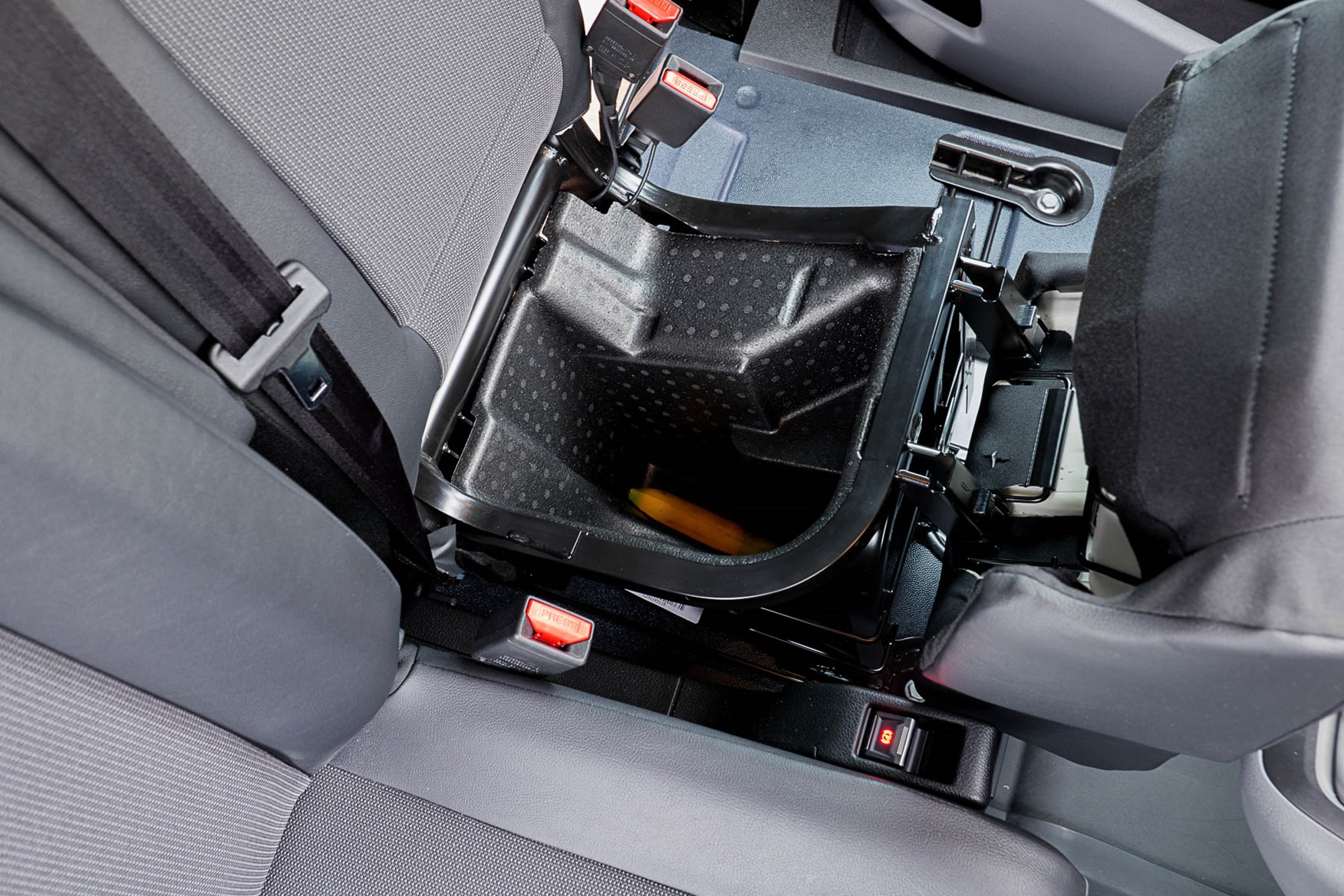 Citroen e-Dispatch under-seat storage, with Moduwork