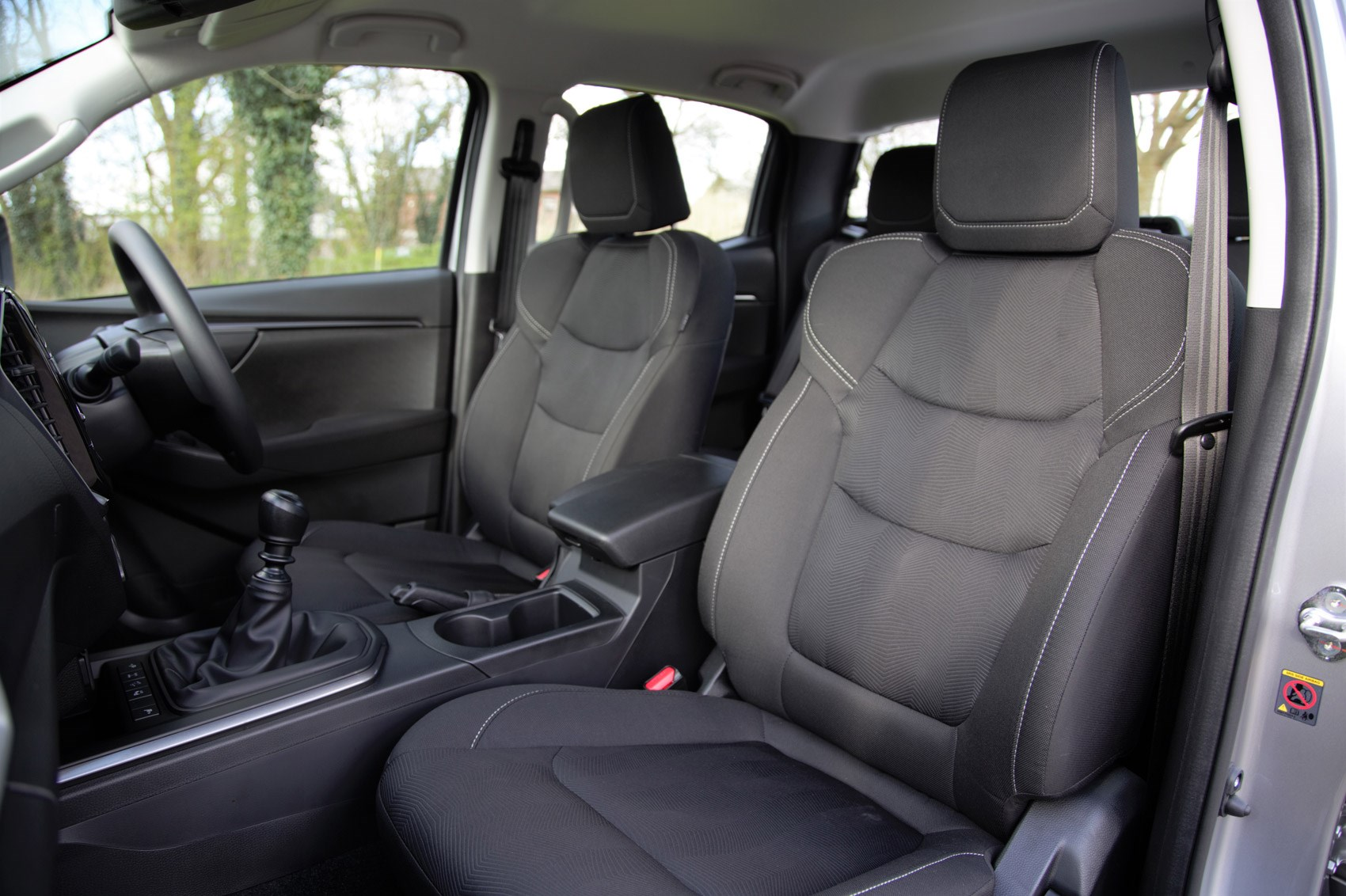 Isuzu D-Max review, 2021, DL20 front seats